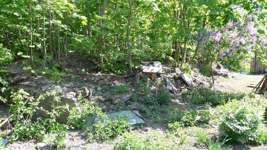 Фундамент-погріб садиби у Ходоркові