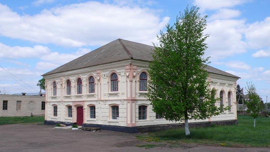 Історико-краєзнавчий музей с. Паволоч у будівлі колишньої синагоги