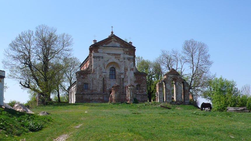 Старовинний косткл у с. Стара Котельня